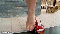 Horny Feet thumbnail