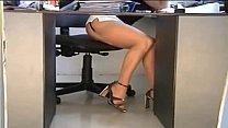 sexy secretaria de falda la Bajo
