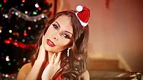 Glamour Beauty Lia Taylor cums hard for Christmas