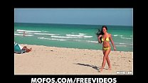 Amateur bikini beauty is picked up at the beach for a quick fuck porn videos