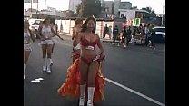 1 parte - batucada en baño de traje en bailando Edecan