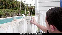 poolboy! the fucks housewife horny - Therealworkout
