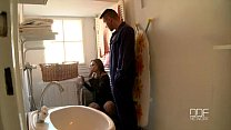 Lonely babe sucks off her repairman to pay the ...