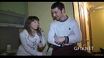 Чешскую девушку николу трахнули толпой
