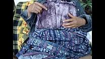 2 parte montaña la en amor el haciendo guatemala de indígena Chica