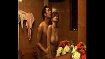 จะเกิดอะไรขึ้นเมื่อเชื่อรี่3โคกโดนเอาในห้องน้ำที่โรงแรมของเธอ