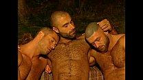 sexo gay a tres