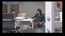 Hojo Maki toying her pussy during an office mee...