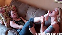 Dre Hazel and Bella Skye suck each other's toes!
