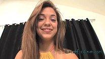 glazing teen Latina