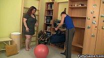 Big booty plumper seduces fitness trainer
