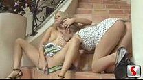 Порно трахал маму и тётю