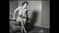 Руская девка дрочит член парню