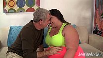 Fat whore Bella Bendz gets her pussy pounded so...