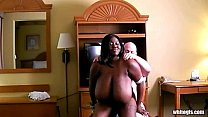Ебем с другом мою жену порно ролики