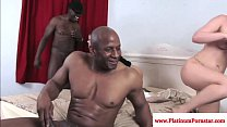 Мужик лижет киску порно видео онлайн