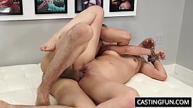 Лесби ебут парня смотреть порно