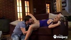 Кавказскую девушку трахают смотреть порно