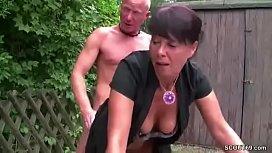 Девочка со страпоном и парень смотреть порно