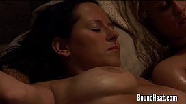 Секс с брюнеткой молоденькой смотреть порно