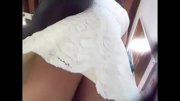 Bajo el vestido de señora, zocalo