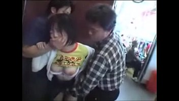 デカチチの女子大生の強姦無料エッチ動画wパチンコで負けた男達が彼氏ときてたデカチチ女子大生を強姦・・・