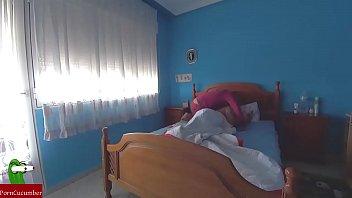 Comida de coño intensa en la habitacion azul gui092