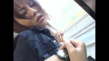 ギャルが電車で痴漢に強引な指マンプレイされる