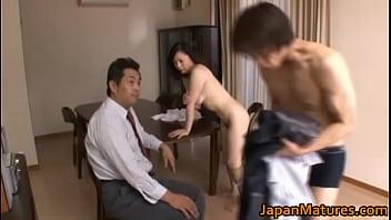 人妻 沢村麻耶 旦那の前で巨乳熟女寝取りSEX  日本人動画