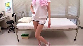 ハーフ美女の巨乳先生と念願の保健室SEXして綺麗な顔にザーメン発射!|イクイク日本人エロ動画まとめ