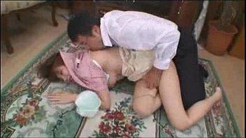 巨乳の人妻のフェラチオ動画巨乳人妻の乳房にむしゃぶりついて無理矢理にチ○ポをフェラチオチオさせる