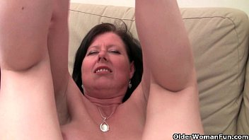 British mom Julie with her big tits and hairy p... | Video Make Love