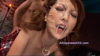 【レイプ】輪姦されたギャルJKのきれいな顔に精液パック