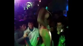 Show hot conejita discotheque chilena
