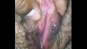 Acariciando la vagina de mi ex de 40años
