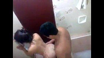 Mulher traindo o marido