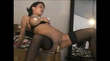 Teen Girl Fucks Bedpost