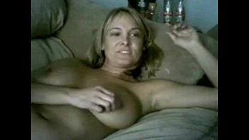 Mature housewife masturbate and piss on webcam chat