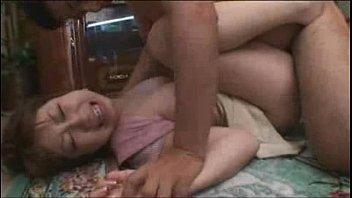 【レイプ】侵入した家の奥さんの巨乳を乱暴に揉んでレイプ