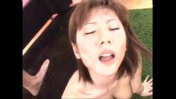 【麻美ゆま】バックで揺れる巨乳を下から横から映し顔射