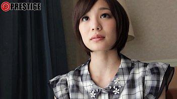 戸田真琴三つ編みの超地味な少女が媚薬で豹変するトランス中出しSEX