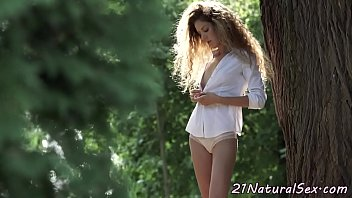 Eurobabe pussy fingering herself in a park
