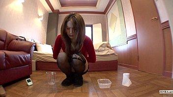 可愛いギャルがホテル内で1リットルもの小便を放尿するのを自撮り