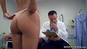 Novinha em sex videos dando para o medico