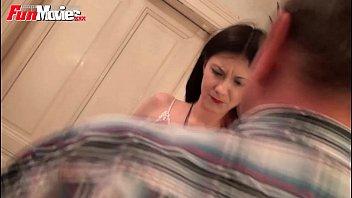 FunMovies Cuckold marido viendo a su chica conseguir follada