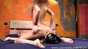 Lesbian facesiting and domination b..
