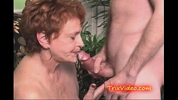 Freeporn cum in granny mouth