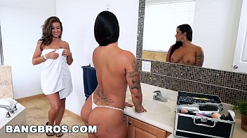 Double spanking fun with spicy j, victoria banxxx and kiley jay