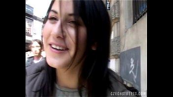 Czech girl blows stranger´s cock in car