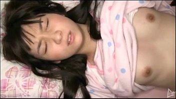 【レイプ】眠っていた妹にチンポをねじ込み中出しまで決める兄貴